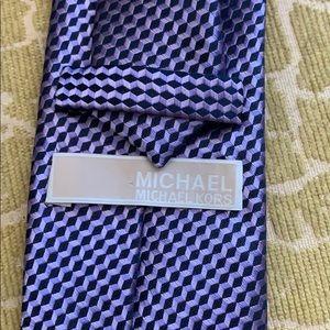 Michael Michael Kors 100% silk purple tie